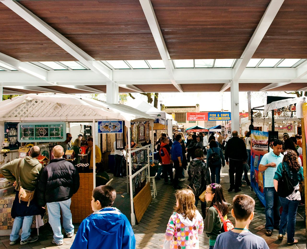 Shoppers at Portland Saturday Market